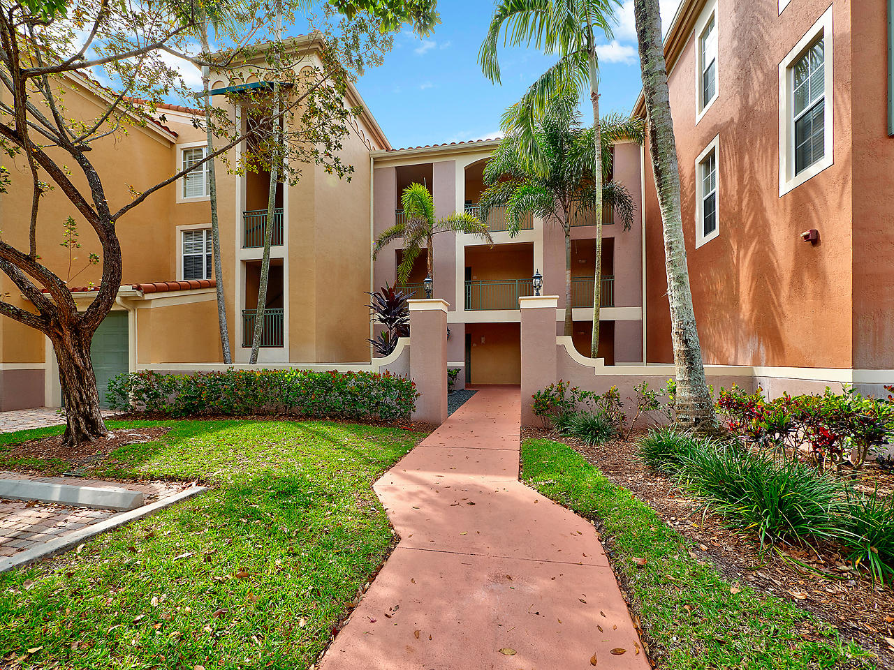 Wellington, Florida 33414, 3 Bedrooms Bedrooms, ,2 BathroomsBathrooms,Residential,For Sale,Saint Andrews,RX-10519986