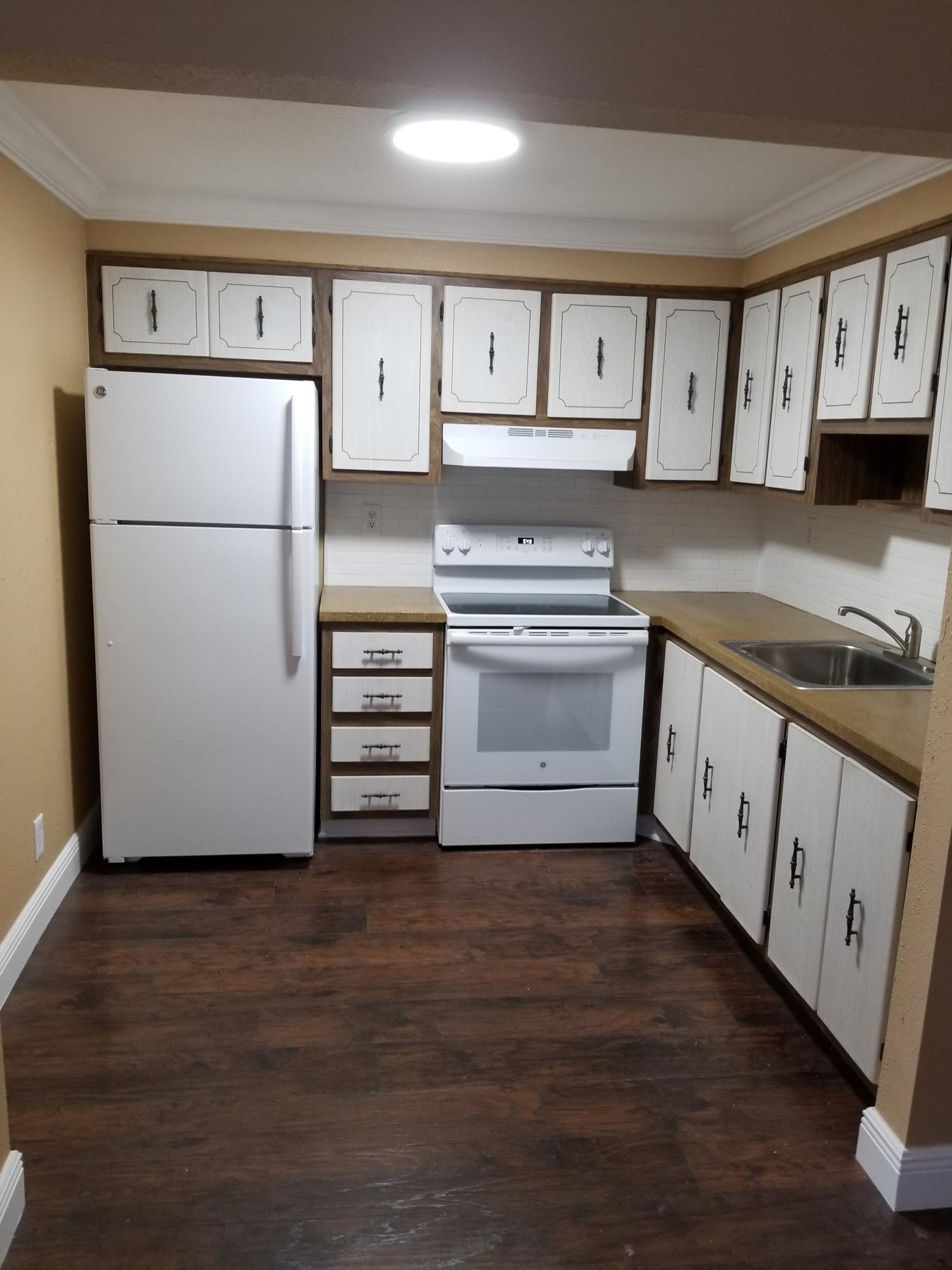 183 Burgundy D, Delray Beach, Florida 33484, 1 Bedroom Bedrooms, ,1.1 BathroomsBathrooms,Condo/Coop,For Rent,Kings Point,Burgundy D,2,RX-10519863