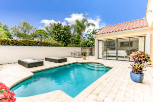 2566 La Lique Circle, Palm Beach Gardens, FL 33410