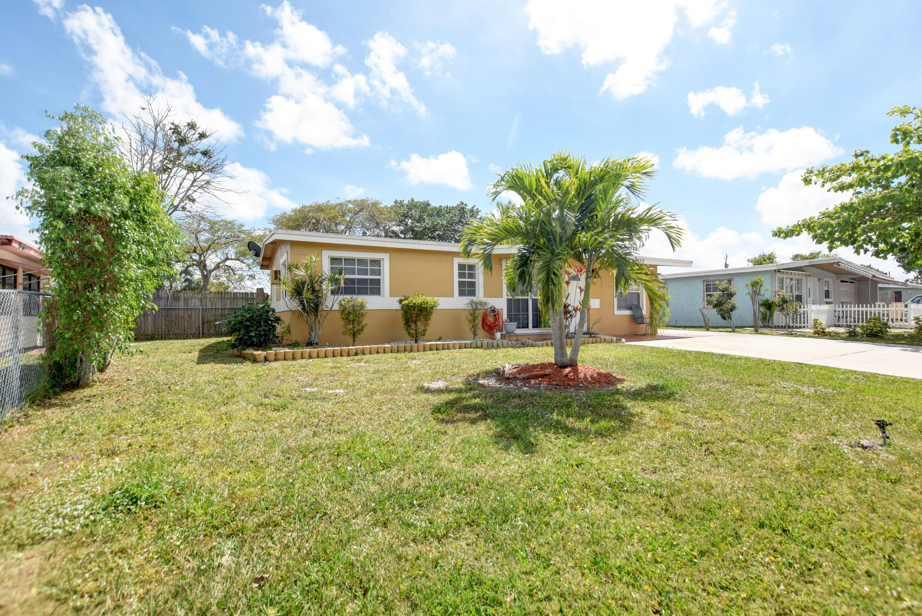 Home for sale in FOREST HILL VILLAGE 3 West Palm Beach Florida