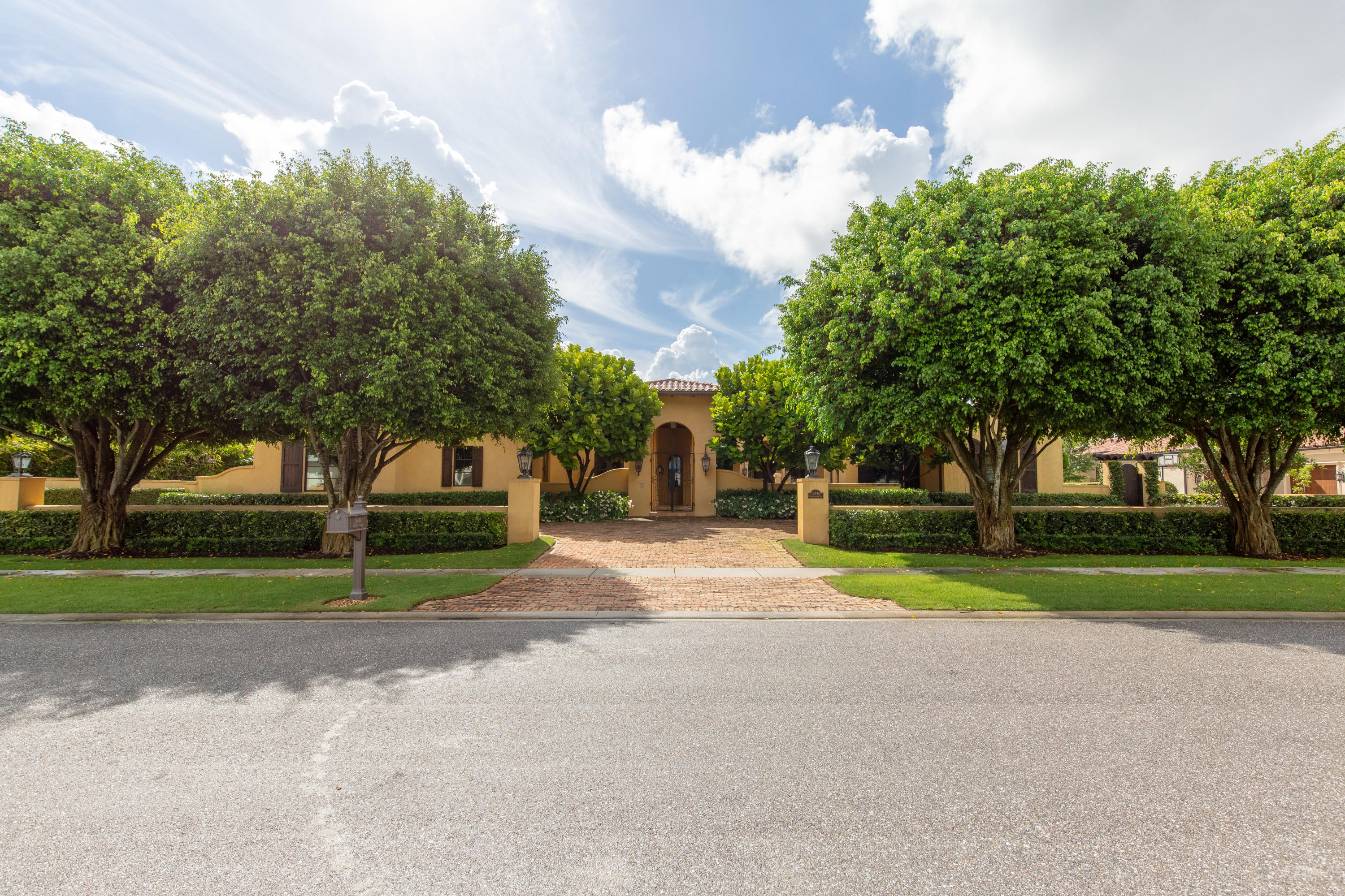 Wellington- Florida 33414, 4 Bedrooms Bedrooms, ,6 BathroomsBathrooms,Residential,For Sale,Cypress Island,RX-10520643