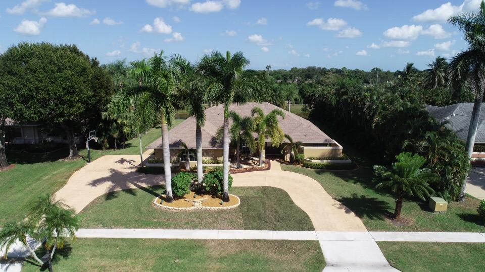 Wellington, Florida 33414, 4 Bedrooms Bedrooms, ,2 BathroomsBathrooms,Rental,For Rent,Wood Row,RX-10520652