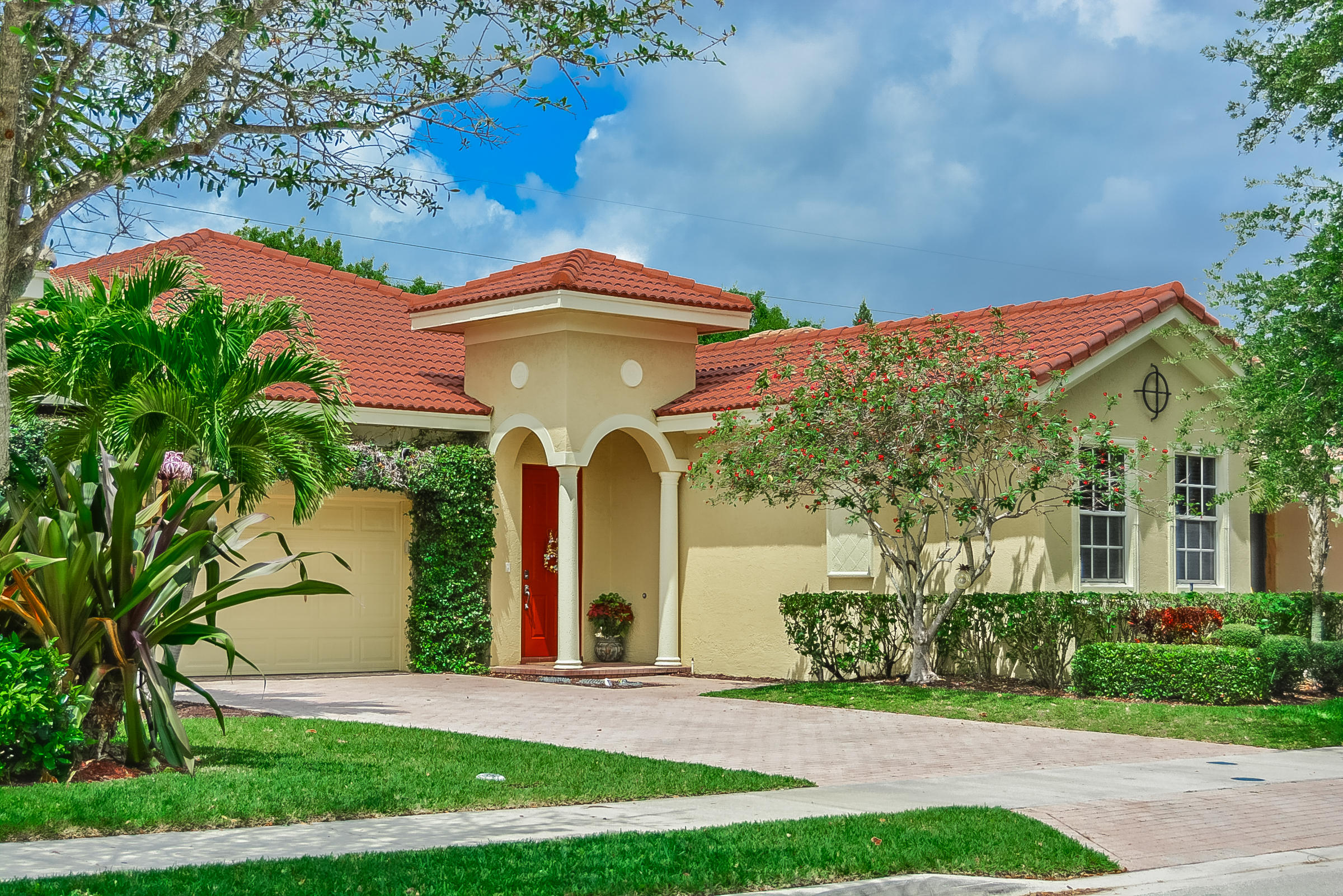 Home for sale in Pines On Pennock-paseos Jupiter Florida