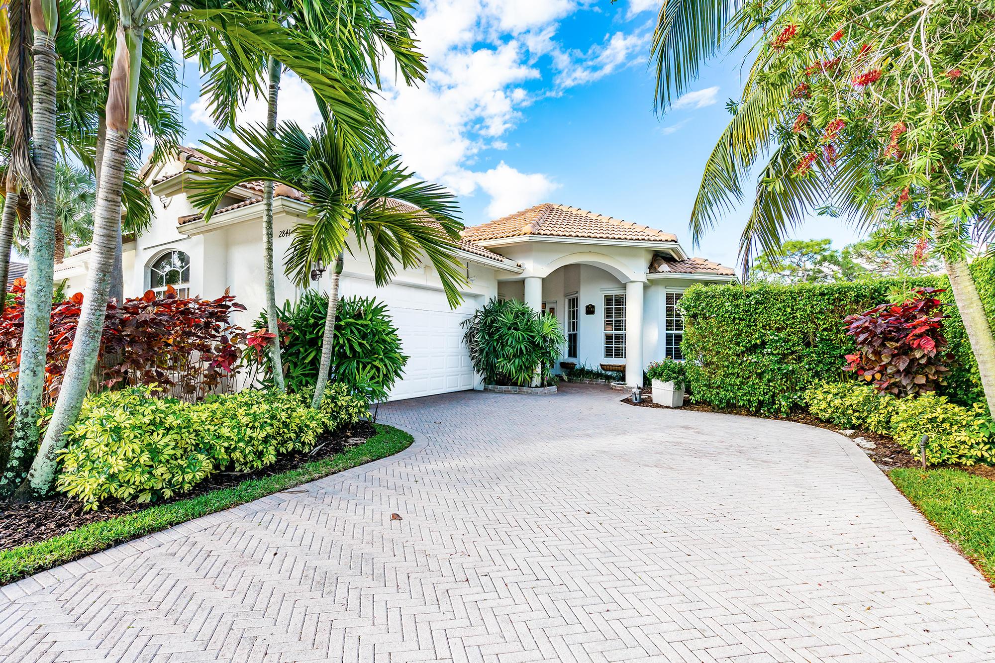 2841 Twin Oaks Way, Wellington, Florida 33414, 3 Bedrooms Bedrooms, ,3 BathroomsBathrooms,Villa,For Sale,Twin Oaks,RX-10521799