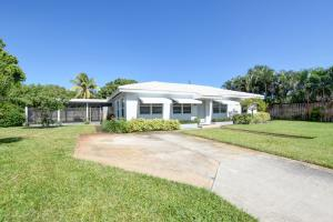 2209 East Pineridge Court, Delray Beach, FL 33444