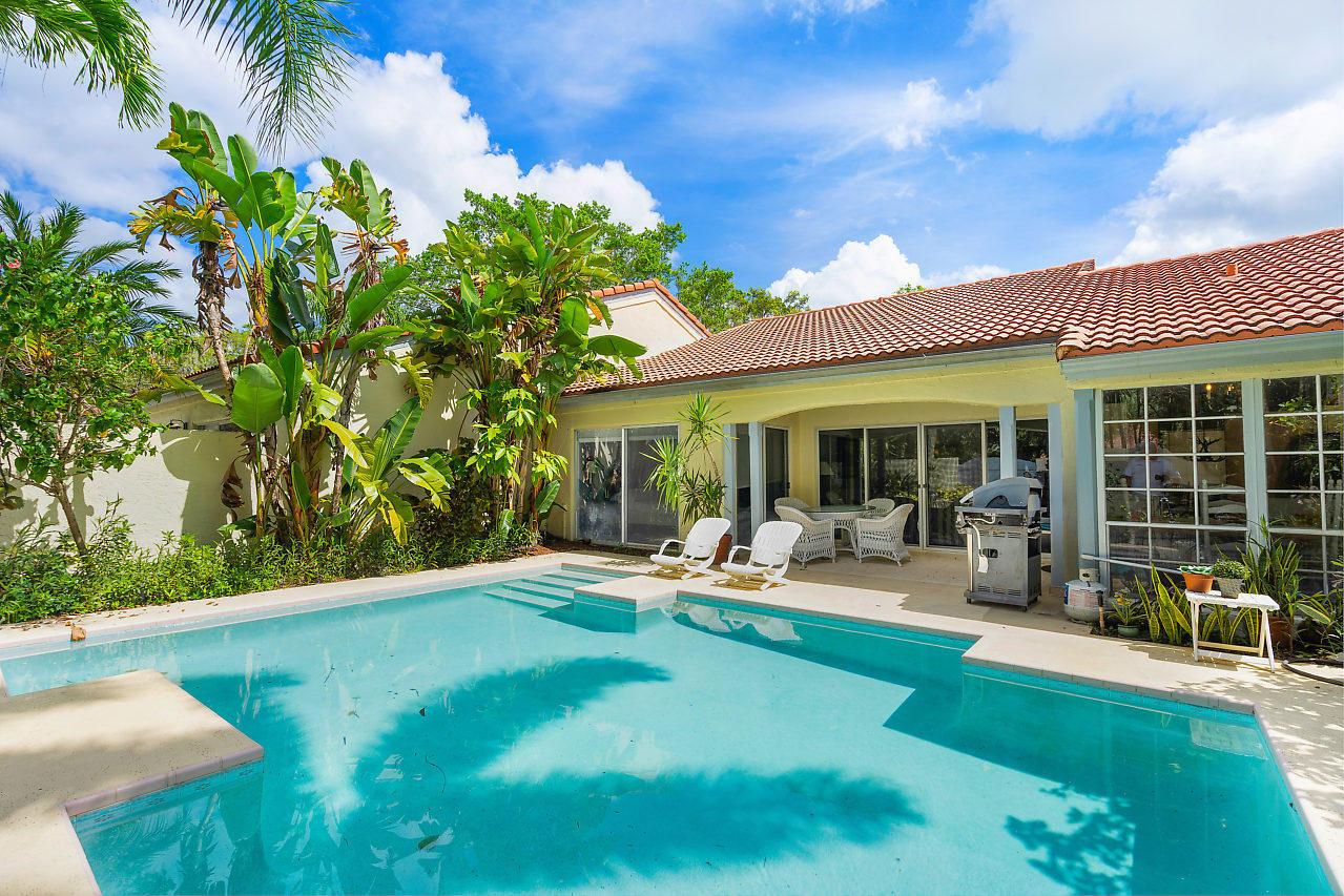 2284 Las Casitas Drive, Wellington, Florida 33414, 3 Bedrooms Bedrooms, ,2 BathroomsBathrooms,Townhouse,For Rent,Las Casitas,1,RX-10522908