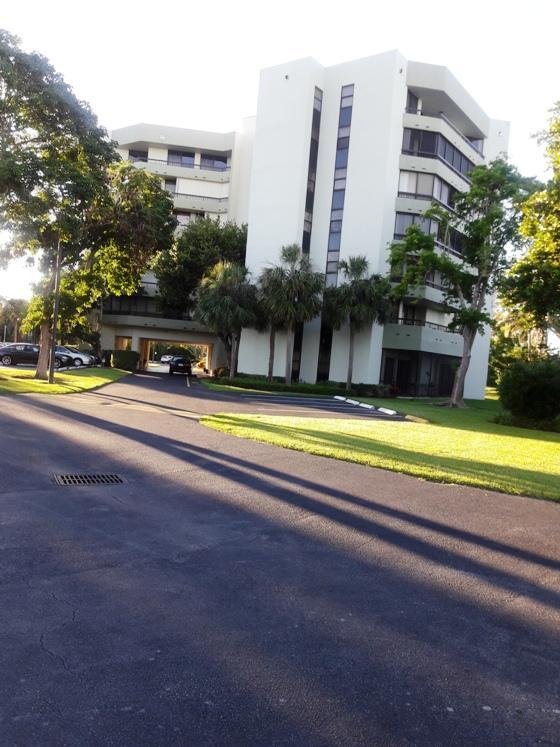 6463 La Costa Drive #505 Boca Raton, FL 33433