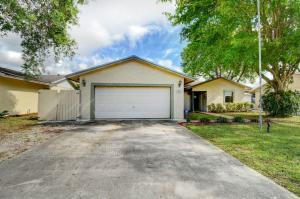 9863 Spanish Isles Drive, Boca Raton, FL 33496