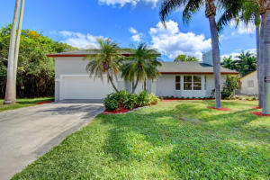728 NE 8th Avenue, Boynton Beach, FL 33435