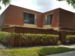 622 Buttonwood Lane, Boynton Beach, FL 33436