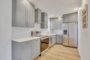 "Gorgeous kitchen 42"" cabinets sold close, Samsung appliances"