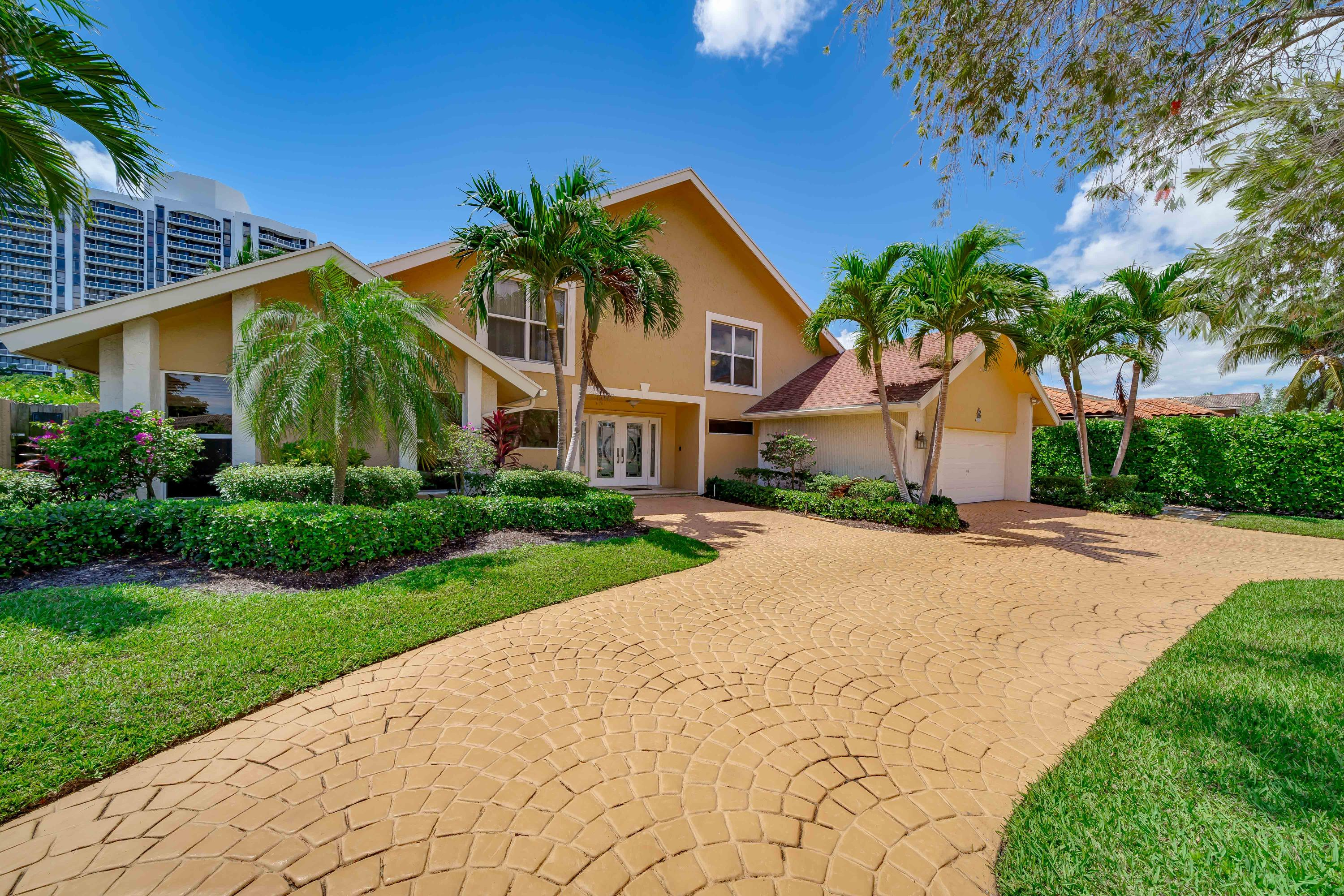 Photo of 413 Holiday Drive, Hallandale, FL 33009