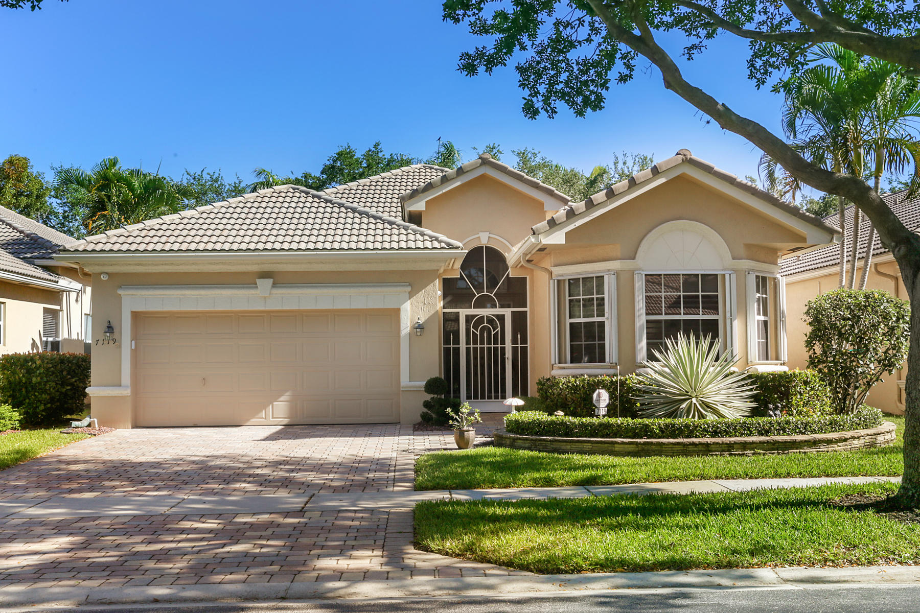7119 Vesuvio Place, Boynton Beach, Florida 33437, 3 Bedrooms Bedrooms, ,2 BathroomsBathrooms,Single Family,For Sale,Mizner Falls,Vesuvio,RX-10523455