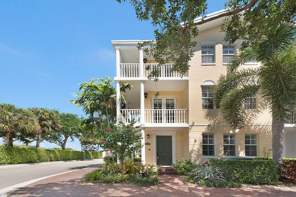 1003 W Heritage Club Circle  Delray Beach FL 33483