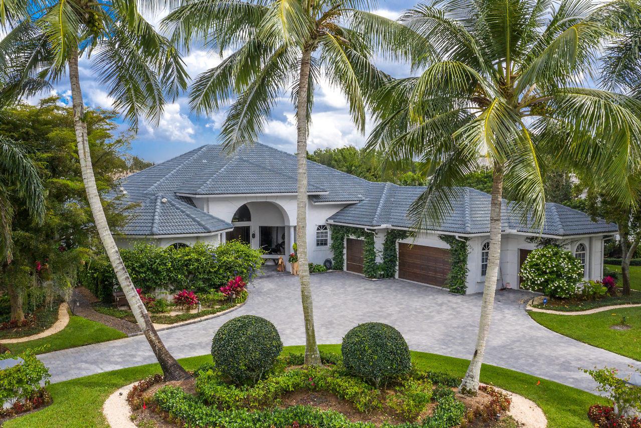 3630 Jappeloup Lane, Wellington, Florida 33414, 3 Bedrooms Bedrooms, ,3.1 BathroomsBathrooms,Single Family,For Sale,Equestrian Club Estates,Jappeloup,1,RX-10524300