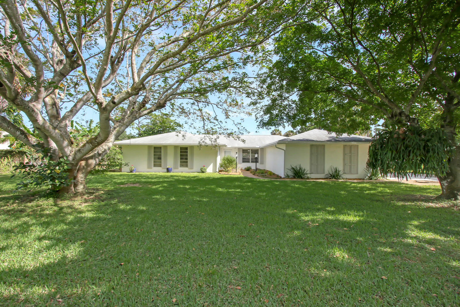 Home for sale in LAKEWOOD RANCHES West Palm Beach Florida