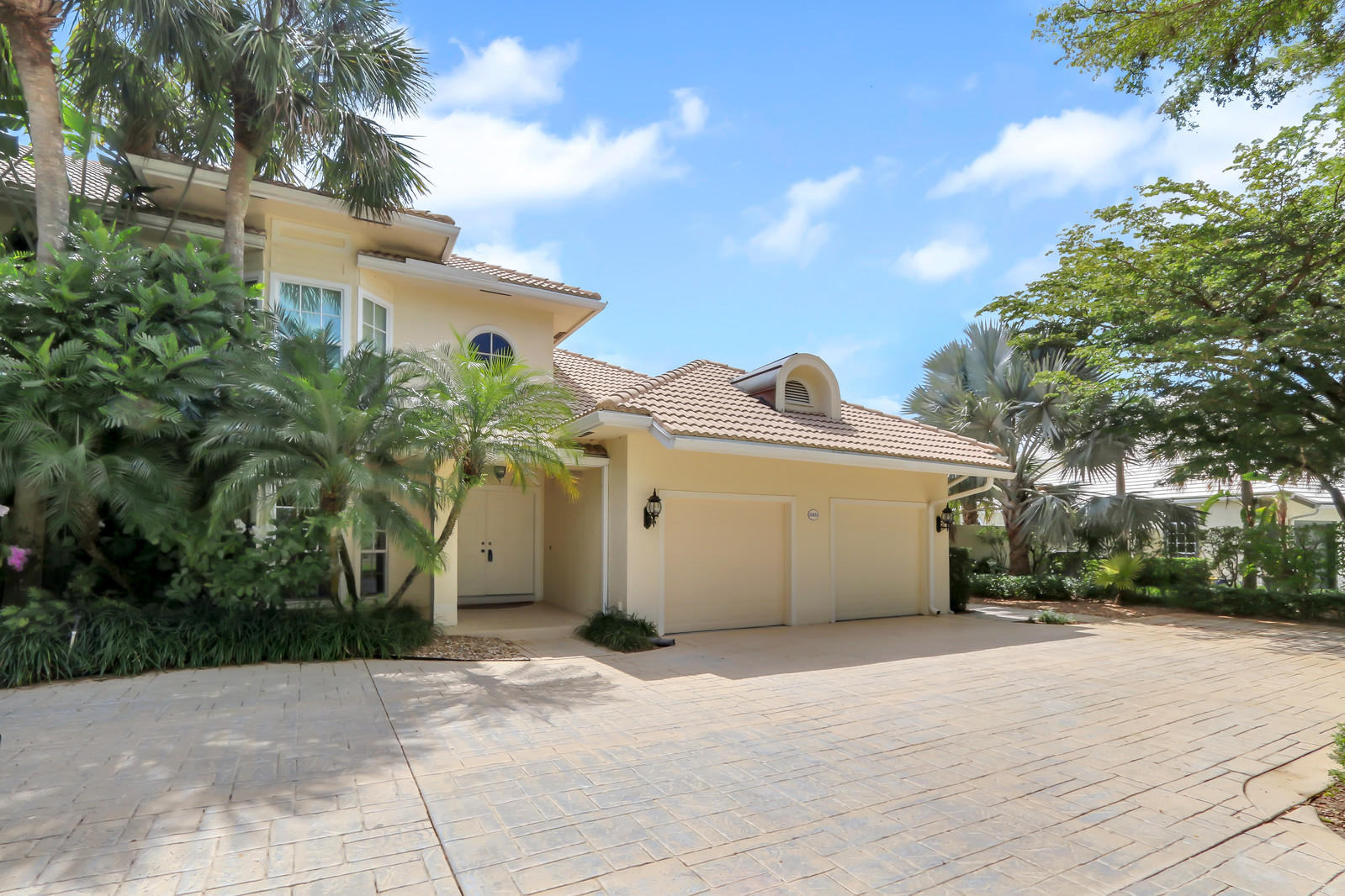 11851 Pebblewood Drive, Wellington, Florida 33414, 3 Bedrooms Bedrooms, ,3 BathroomsBathrooms,Condo/Coop,For Sale,Pebblewood,1,RX-10525746