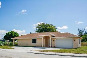 6976 Venetian Drive, Lantana, FL 33462