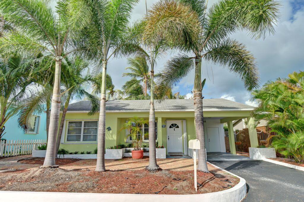 49  Douglas Drive  For Sale 10641407, FL