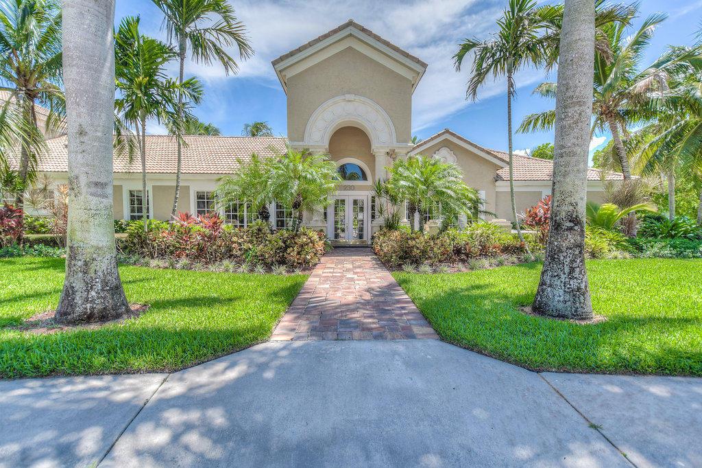 272 Village Boulevard Tequesta FL 33469