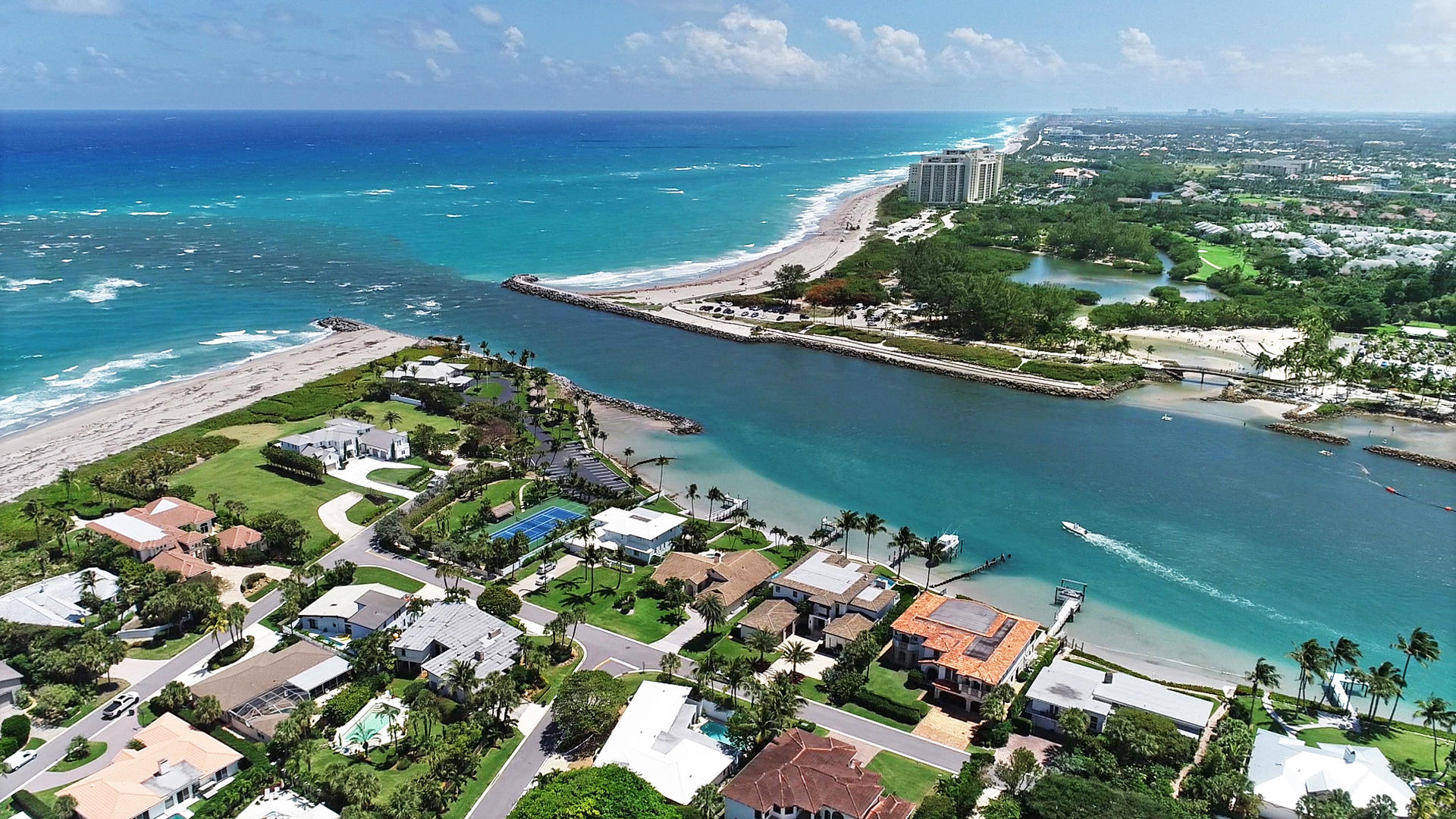 Photo of 220 Pirates Place, Jupiter Inlet Colony, FL 33469