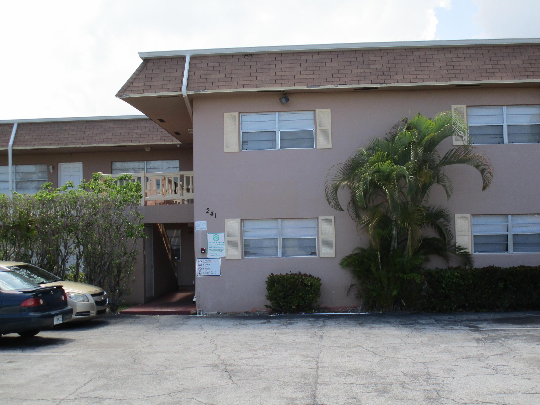 241 SE 9th Avenue Ave #207, Pompano Beach, FL, 33060