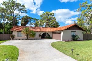 6982 Lakeside Road, West Palm Beach, FL 33411