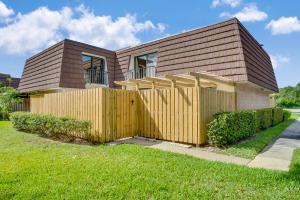 2514 25th Lane, Palm Beach Gardens, FL 33418