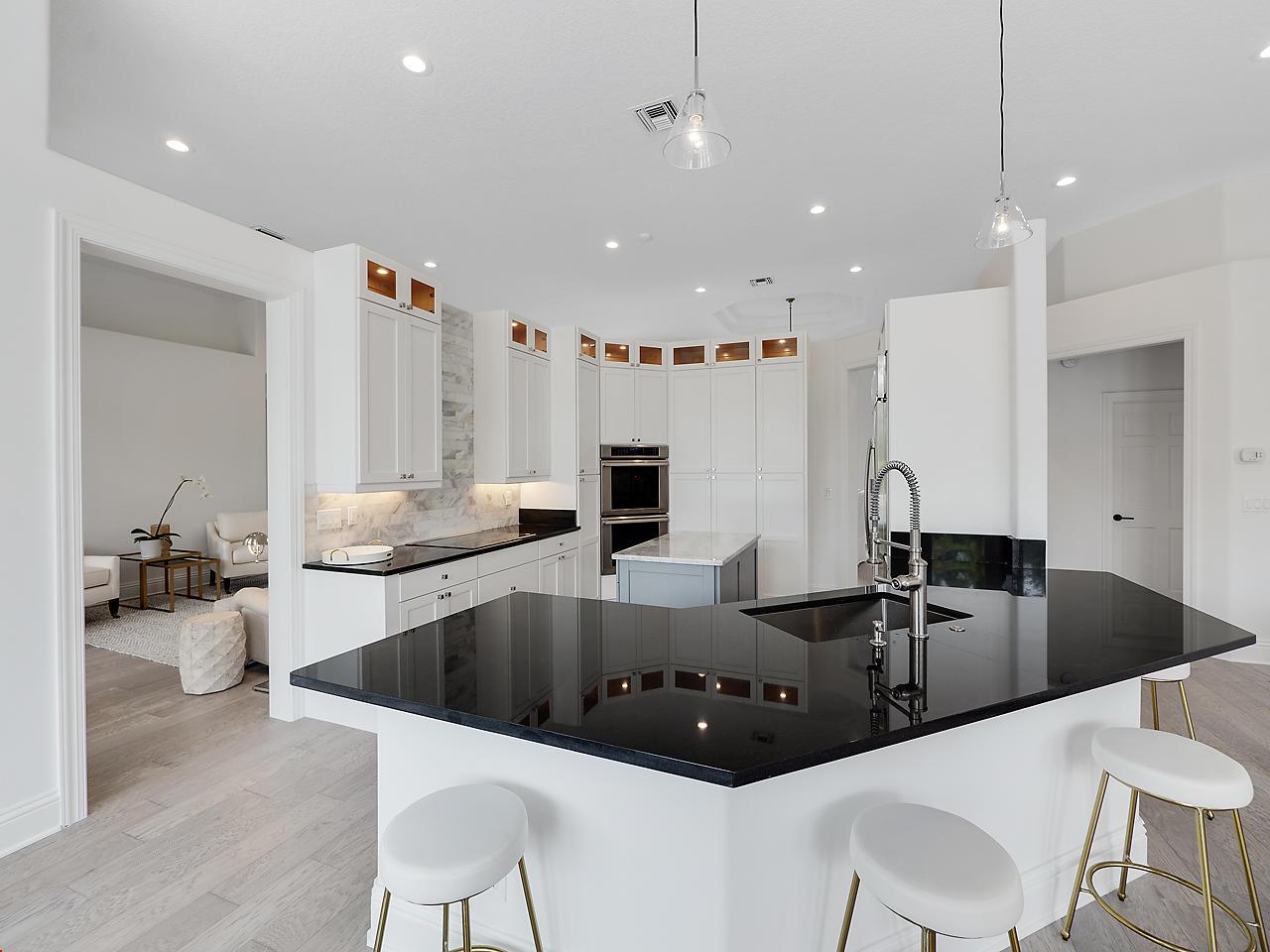 Wellington- Florida 33414, 5 Bedrooms Bedrooms, ,4 BathroomsBathrooms,Residential,For Sale,De Havilland,RX-10525838