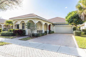 120 Palmfield Way, Jupiter, FL 33458