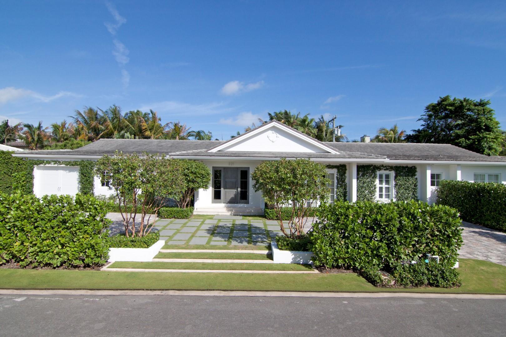 221 El Dorado Lane, Palm Beach, Florida 33480, 4 Bedrooms Bedrooms, ,4.1 BathroomsBathrooms,Single Family,For Rent,El Dorado,RX-10526622