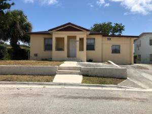 917 W 7th Street, Riviera Beach, FL 33404