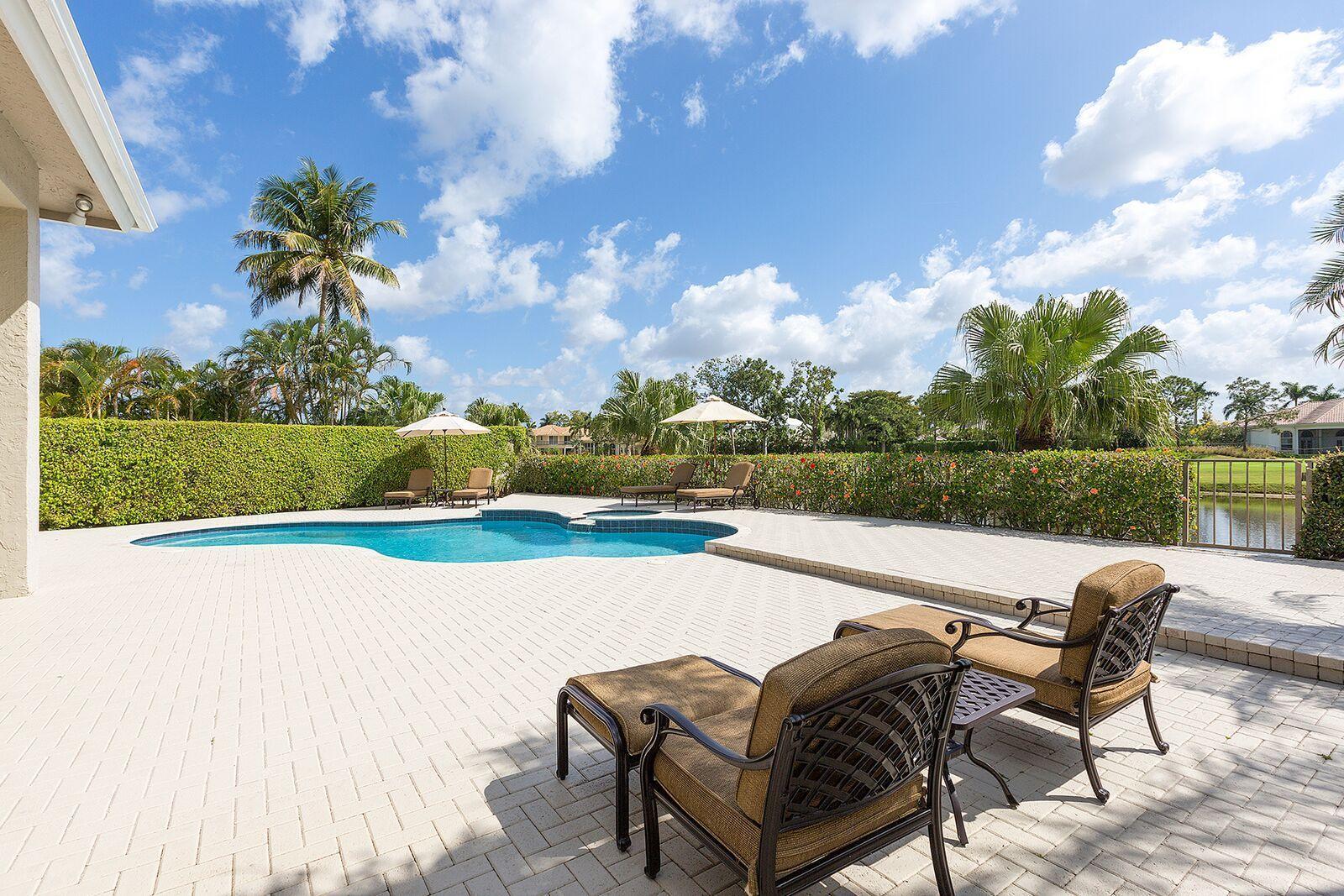 2980 Twin Oaks Way, Wellington, Florida 33414, 3 Bedrooms Bedrooms, ,2.1 BathroomsBathrooms,Villa,For Rent,Shady Oaks,Twin Oaks Way,RX-10526909