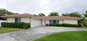 421 Crescent Circle, Lake Park, FL 33403