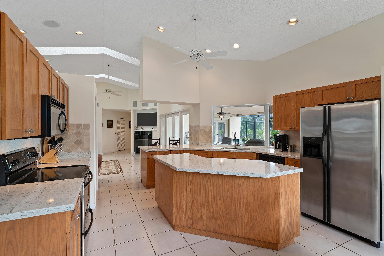 Wellington- Florida 33414, 4 Bedrooms Bedrooms, ,3 BathroomsBathrooms,Residential,For Sale,Wiltshire Village,RX-10528062