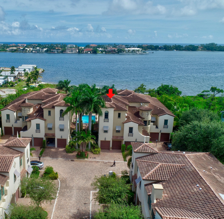 1020 Via Villagio, Hypoluxo, Florida 33462, 3 Bedrooms Bedrooms, ,4 BathroomsBathrooms,Townhouse,For Rent,VILLAGIO DEL MAR,Via Villagio,RX-10527750