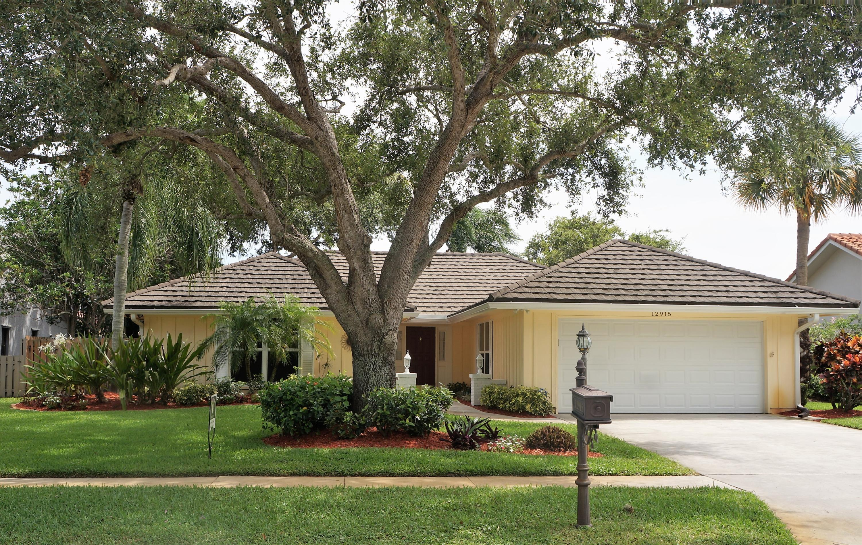 12915 La Rochelle Circle Palm Beach Gardens FL 33410