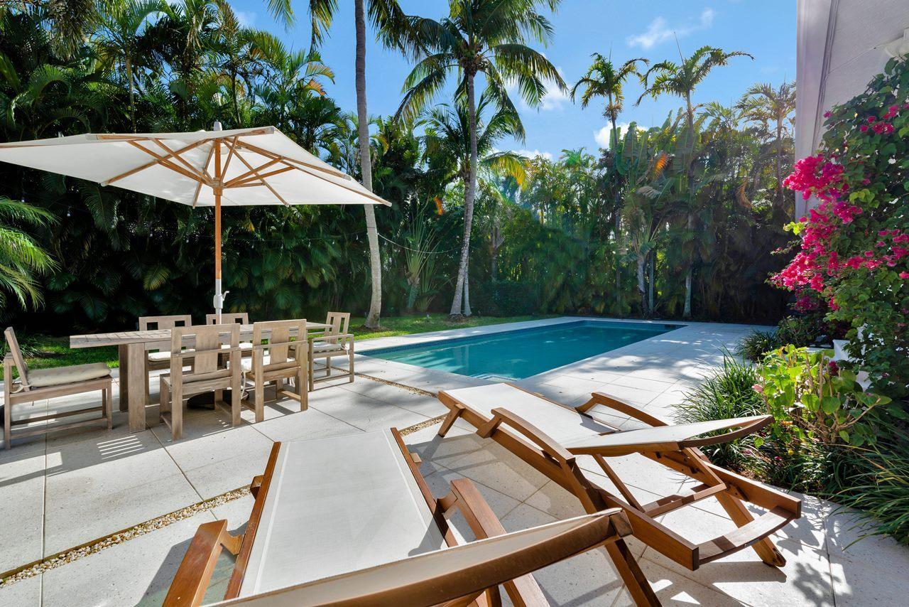 224 La Puerta Way, Palm Beach, Florida 33480, 4 Bedrooms Bedrooms, ,3 BathroomsBathrooms,Single Family,For Sale,La Puerta,RX-10528049