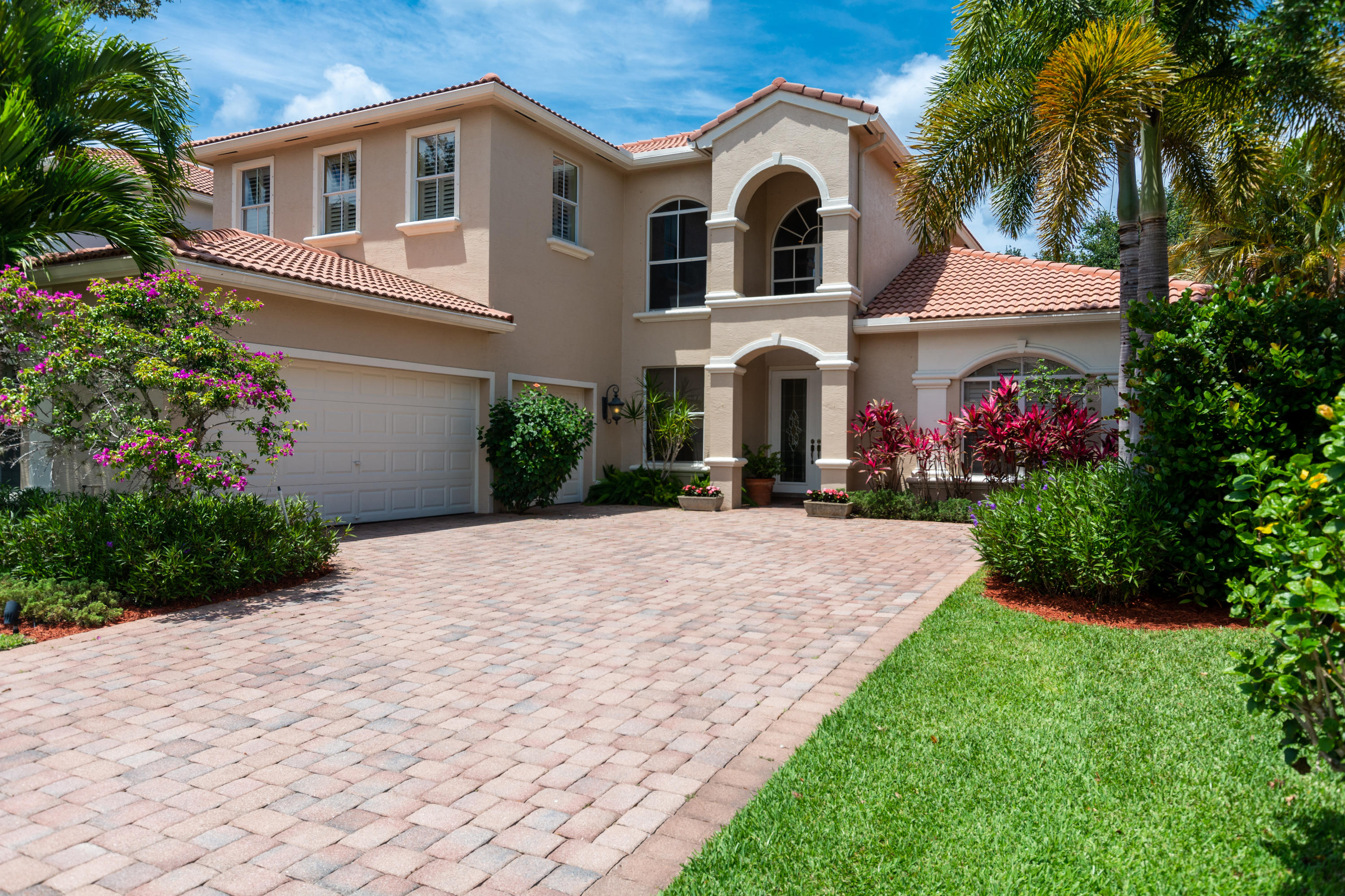 201 Sedona Way Palm Beach Gardens FL 33418
