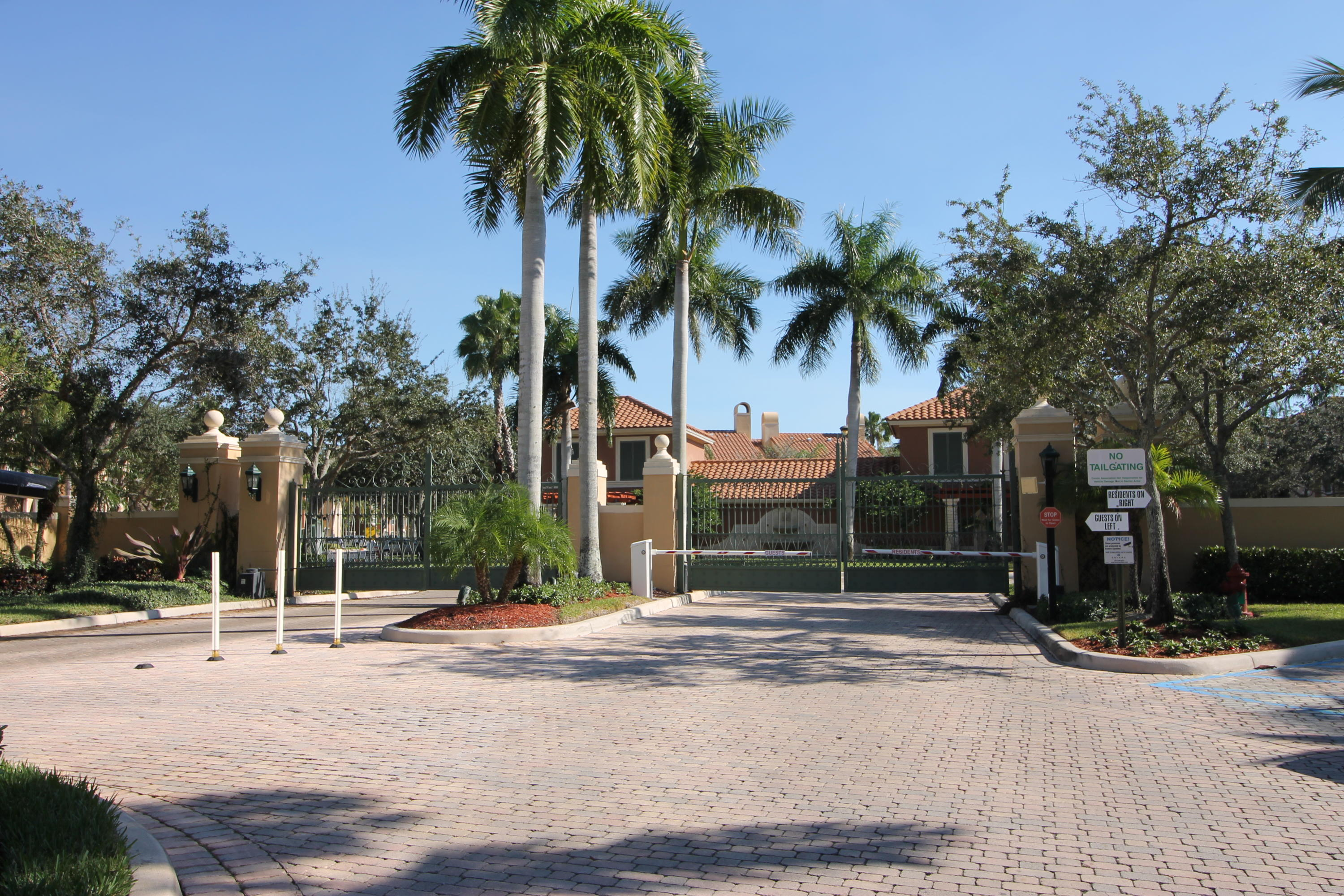 11720 St Andrews Place, Wellington, Florida 33414, 2 Bedrooms Bedrooms, ,2 BathroomsBathrooms,Condo/Coop,For Rent,St Andrews,2,RX-10528664