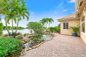 8816 S San Andros, West Palm Beach, FL 33411