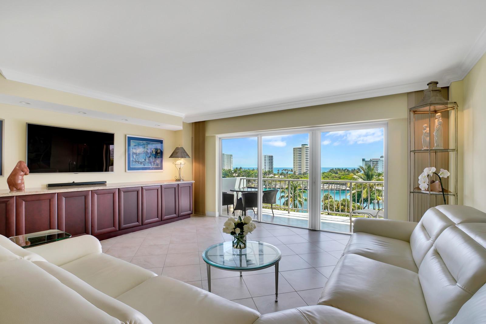 875 Camino Real, Boca Raton, Florida 33432, 2 Bedrooms Bedrooms, ,2 BathroomsBathrooms,Condo/Coop,For Sale,Camino Real,7,RX-10529253