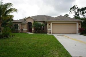 4658 SW Dactyl Street, Port Saint Lucie, FL 34953