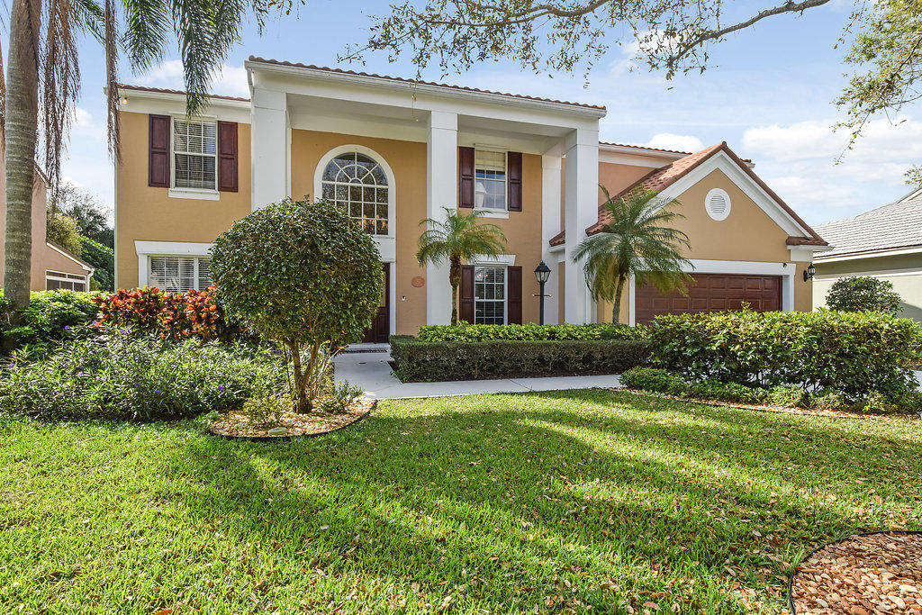 10221 Hunt Club Lane, Palm Beach Gardens, FL 33418