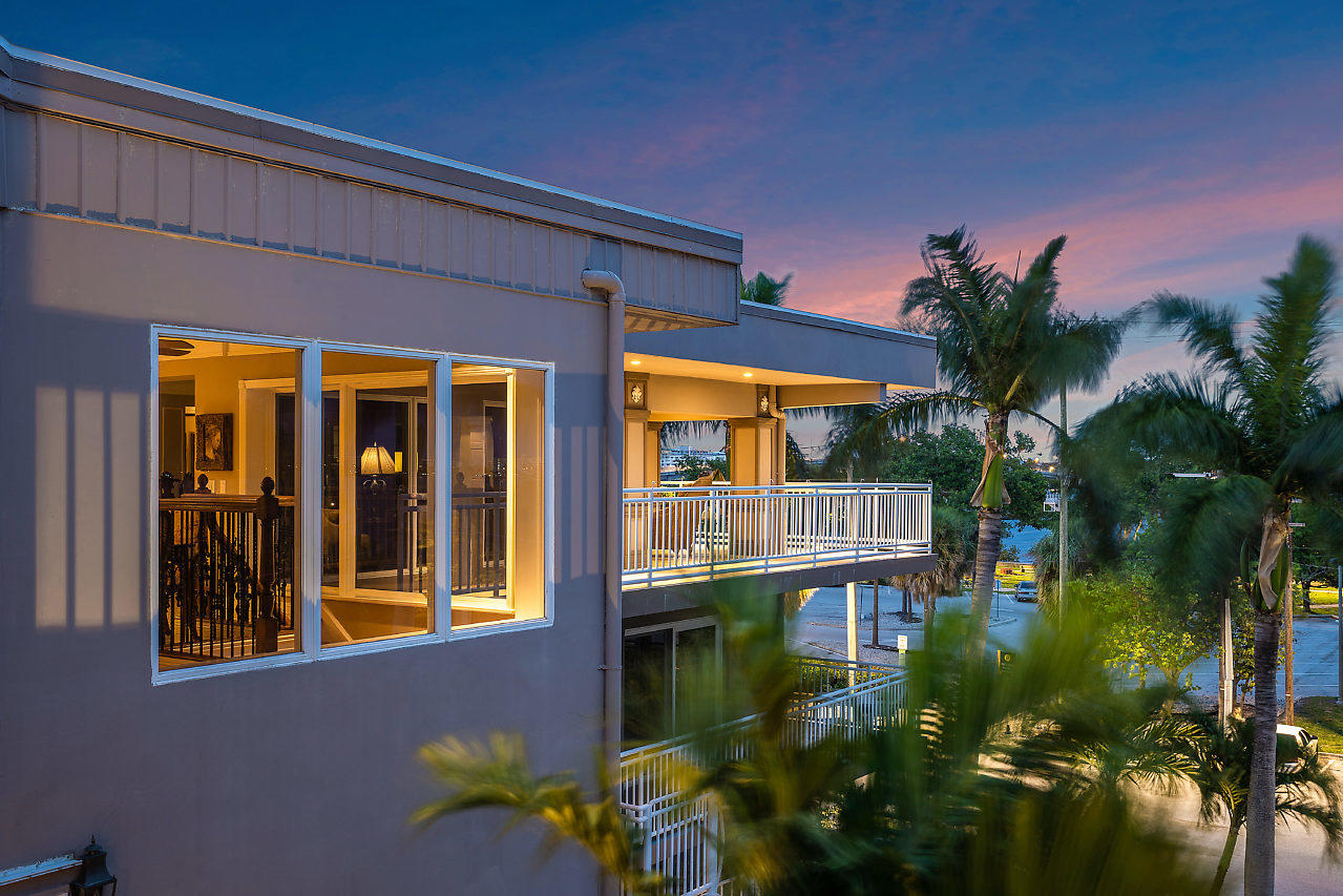 Photo of 129 S Golfview Road #9, Lake Worth, FL 33460