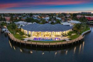 2550 Ne 31st Court Lighthouse Point FL 33064