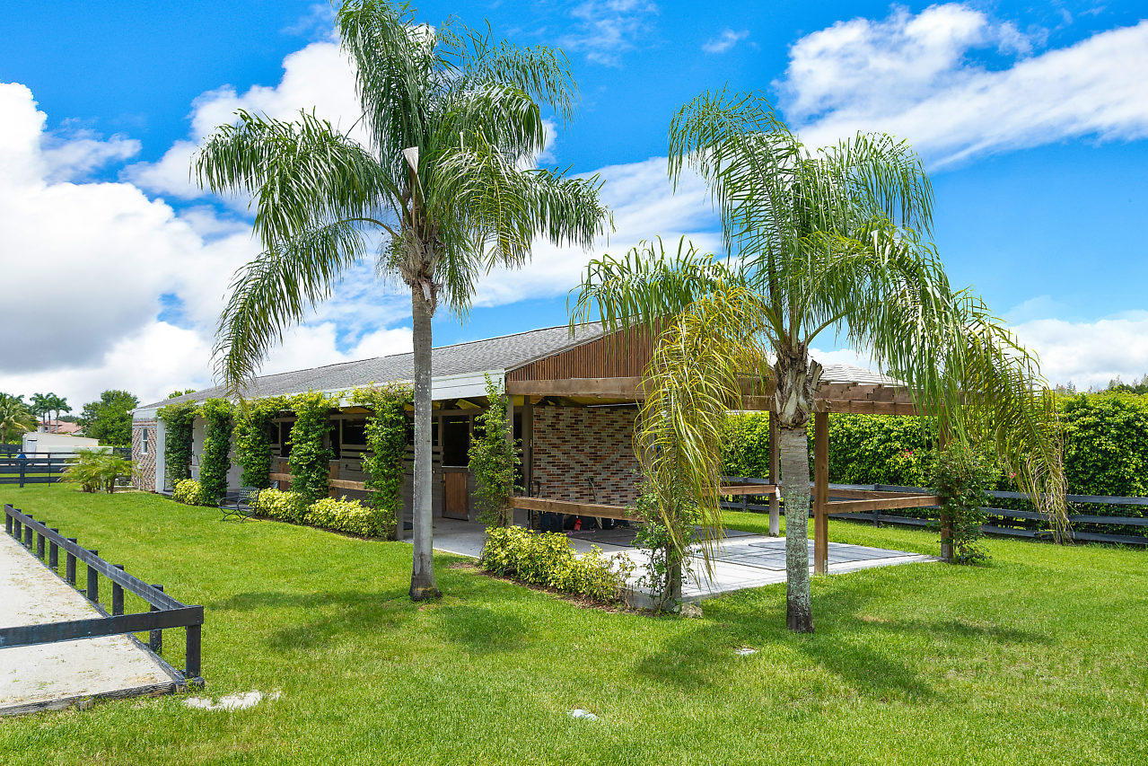 2121 Gray Mare Way, Wellington, Florida 33414, ,0.1 BathroomBathrooms,Barn,For Rent,Gray Mare,1,RX-10529905