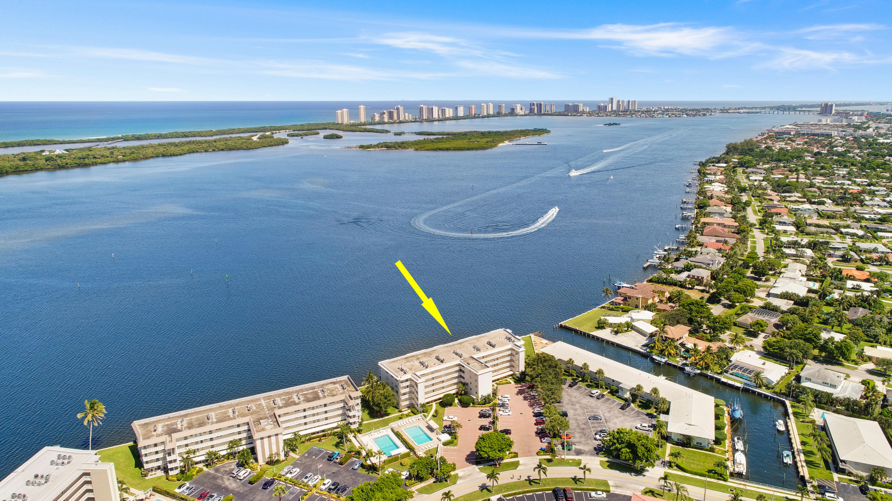 North Palm Beach- Florida 33408, 2 Bedrooms Bedrooms, ,2 BathroomsBathrooms,Residential,For Sale,Yacht Club,RX-10529921