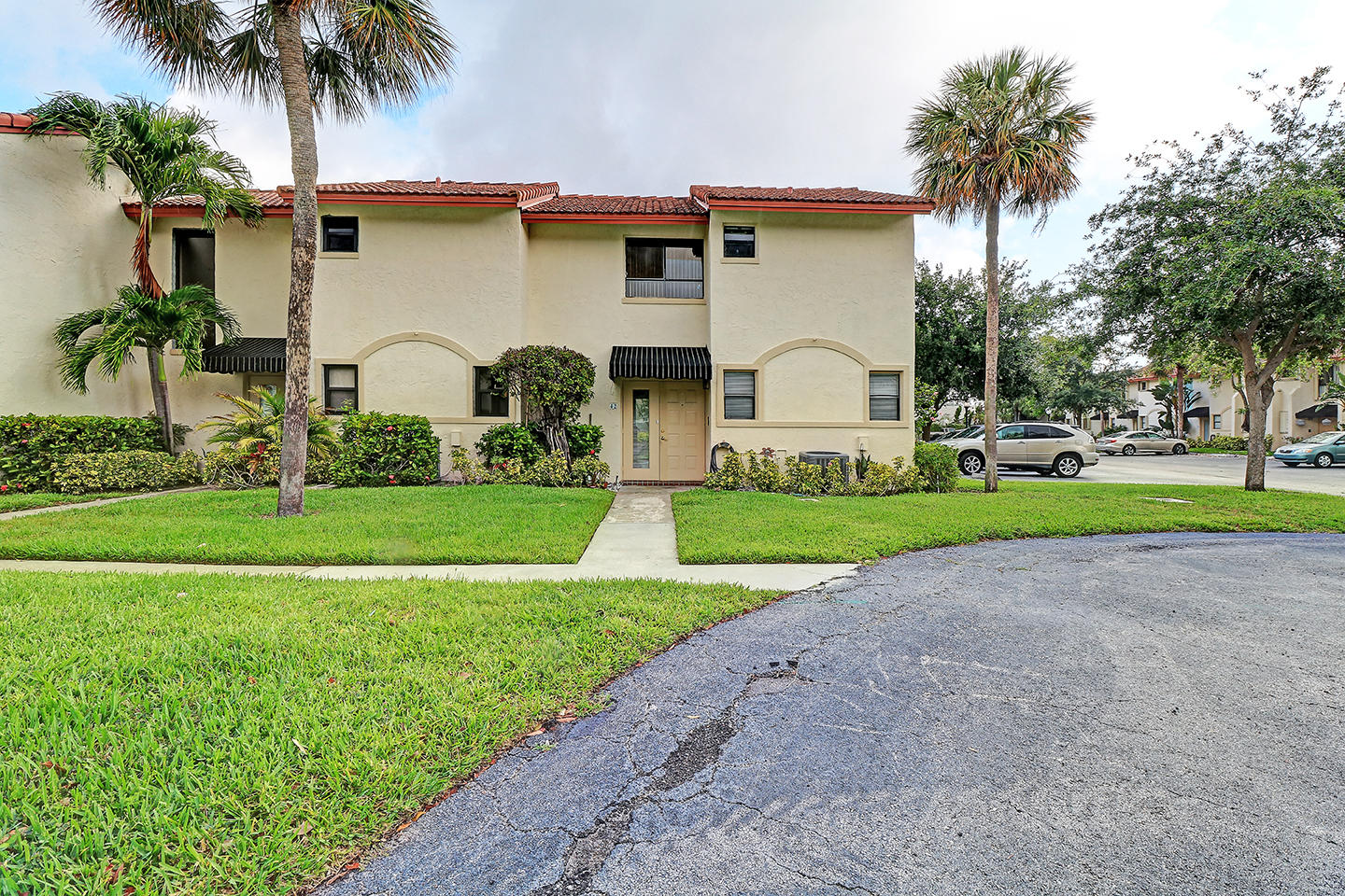 Boca Raton- Florida 33487, 2 Bedrooms Bedrooms, ,1 BathroomBathrooms,Residential,For Sale,2nd,RX-10530351