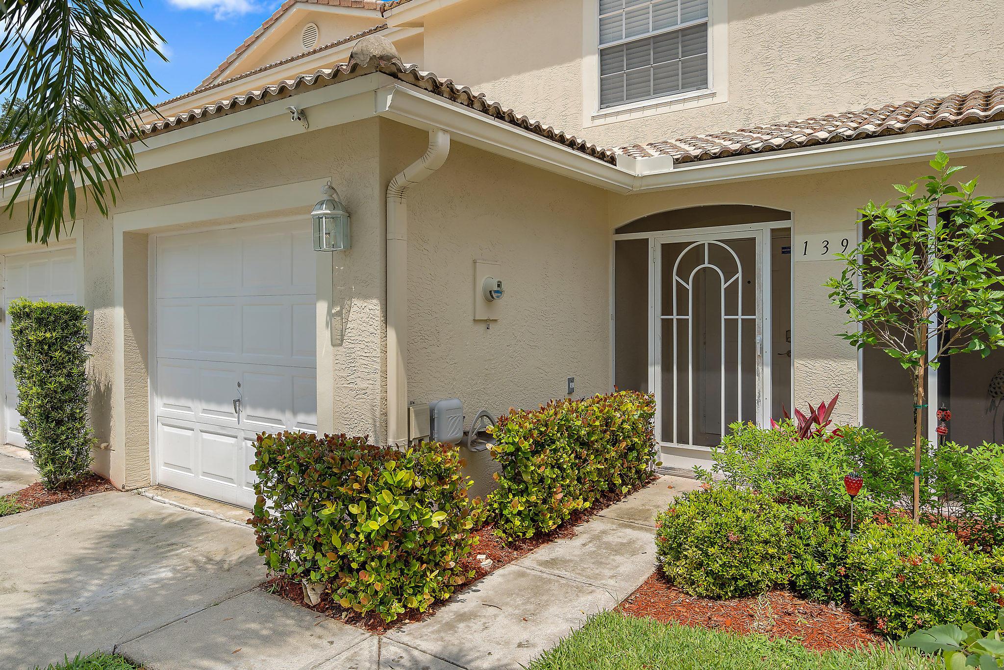 Jupiter, Florida 33458, 2 Bedrooms Bedrooms, ,2 BathroomsBathrooms,Residential,For Sale,Fox Meadow,RX-10530355